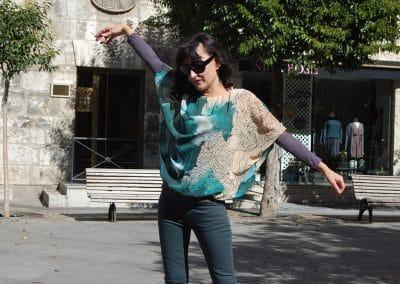camisa-zergatik-muno-dreams-pantalon-lois-verde