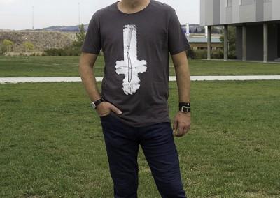 camiseta-n.u.m-antihipters