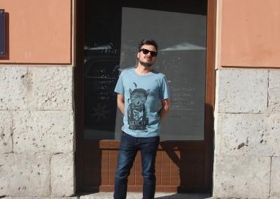 camiseta-nyum-wach-the-birdie