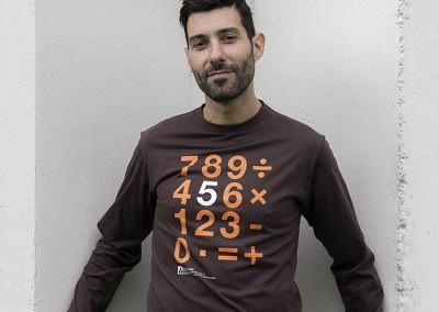 camiseta-static-macroeconomy
