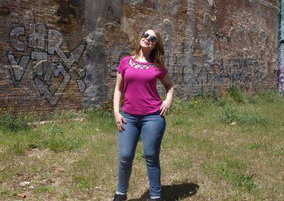 camiseta-zergatik-magoe-pink