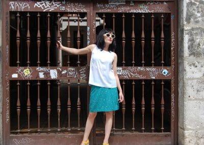 falda-skfk-nile-azul,-camisa-anonyme-giorgina-blanca