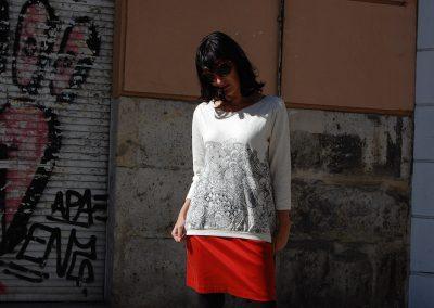 falda-skfk-redene-camiseta-gartzene