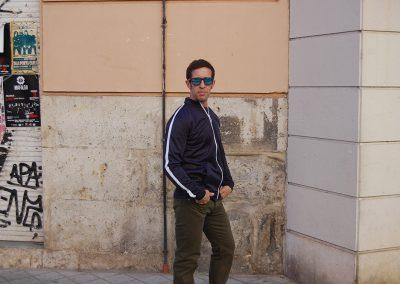 sudadera-solid-kearn-azul,pantalon-lois-marvin