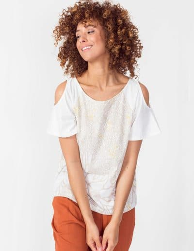 camiseta nela blanca